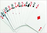 何をやってもダメという時、そんな時はパスの一手。戦えるカードが来るまで待つのが一番。