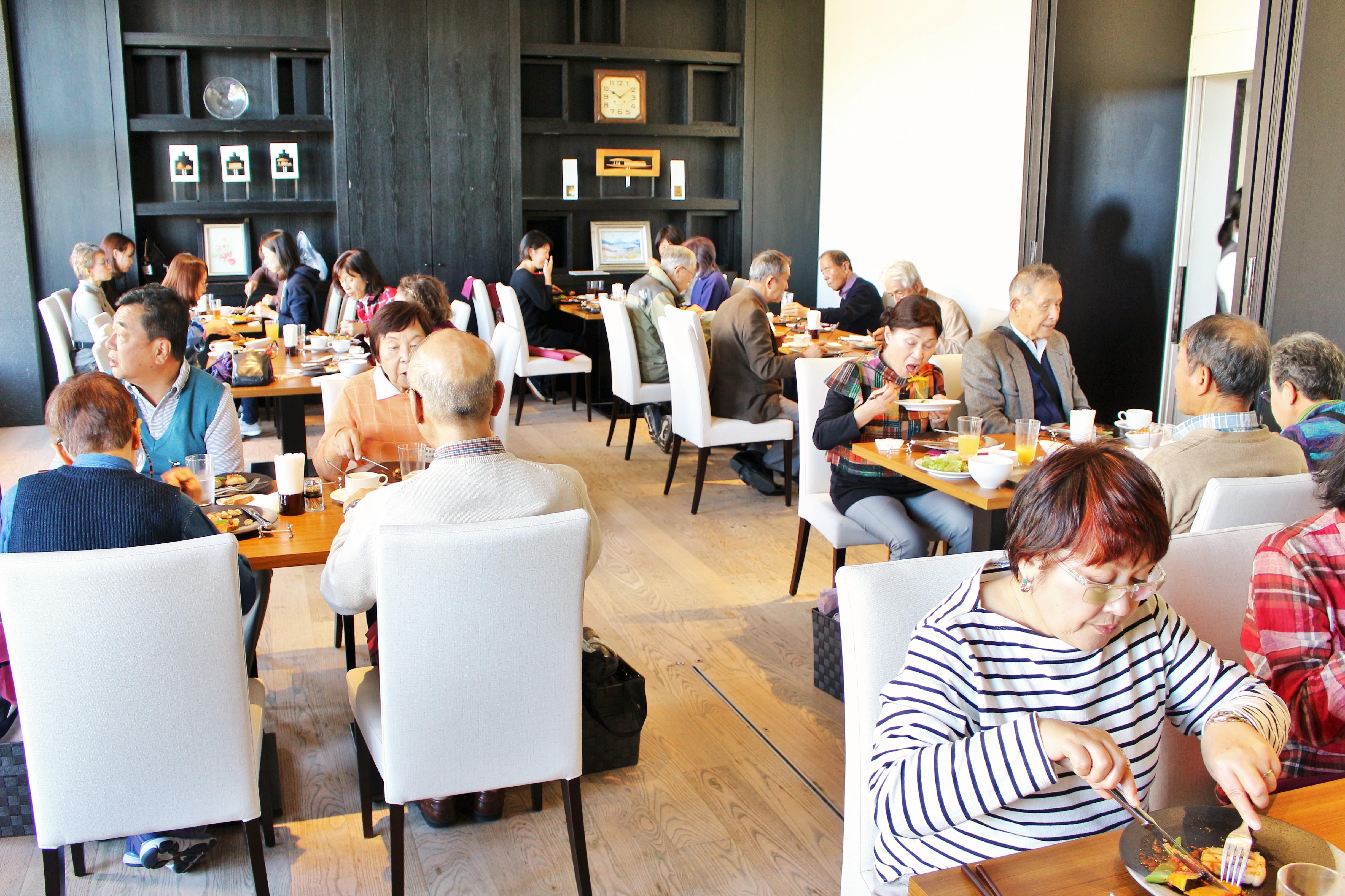 レストラン2.JPG