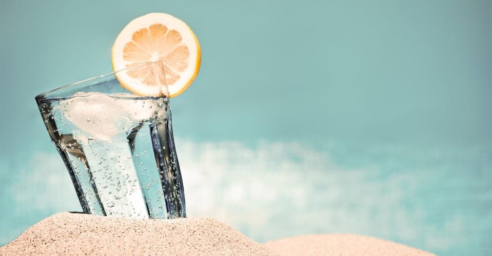 むくみやすいのは夏が原因!? <br />生活習慣をセルフチェックして改善!一覧画像