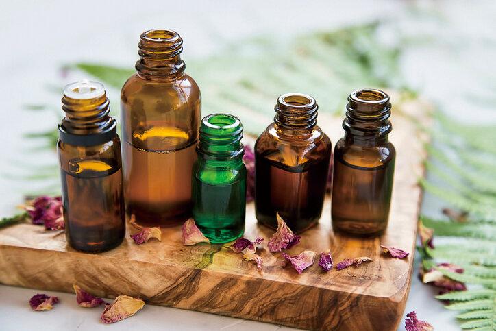 高級香水の香り漂う、和精油「クロモジ」の魅力と効果