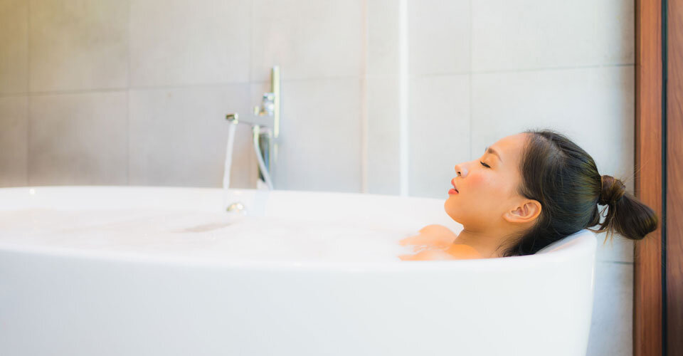 お風呂は「ぬるめ&長め」が正解!最適な温度と期待できる健康効果