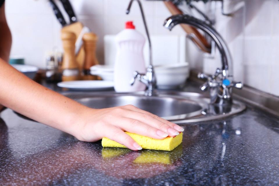 キッチンの油汚れは重曹で撃退! 柑橘系のキッチンクレンザー