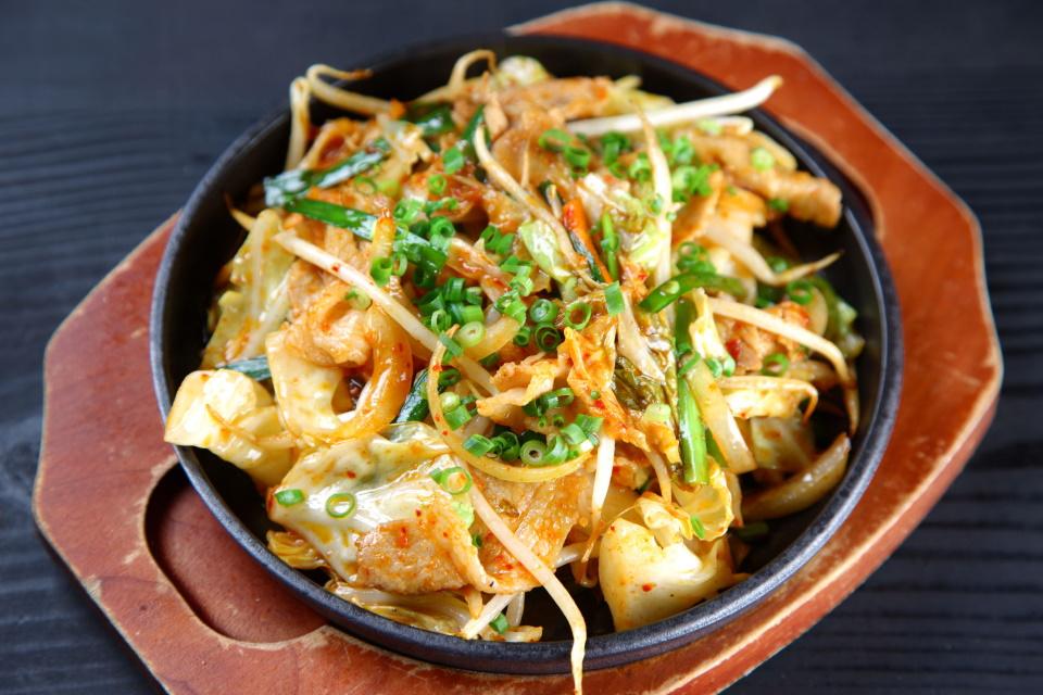「八角」風味の豚肉キムチ炒め