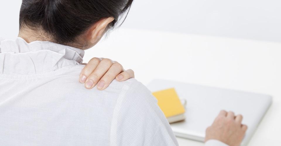 つらい肩こり・首こり・頭痛の解消法!今すぐできる簡単ストレッチ運動