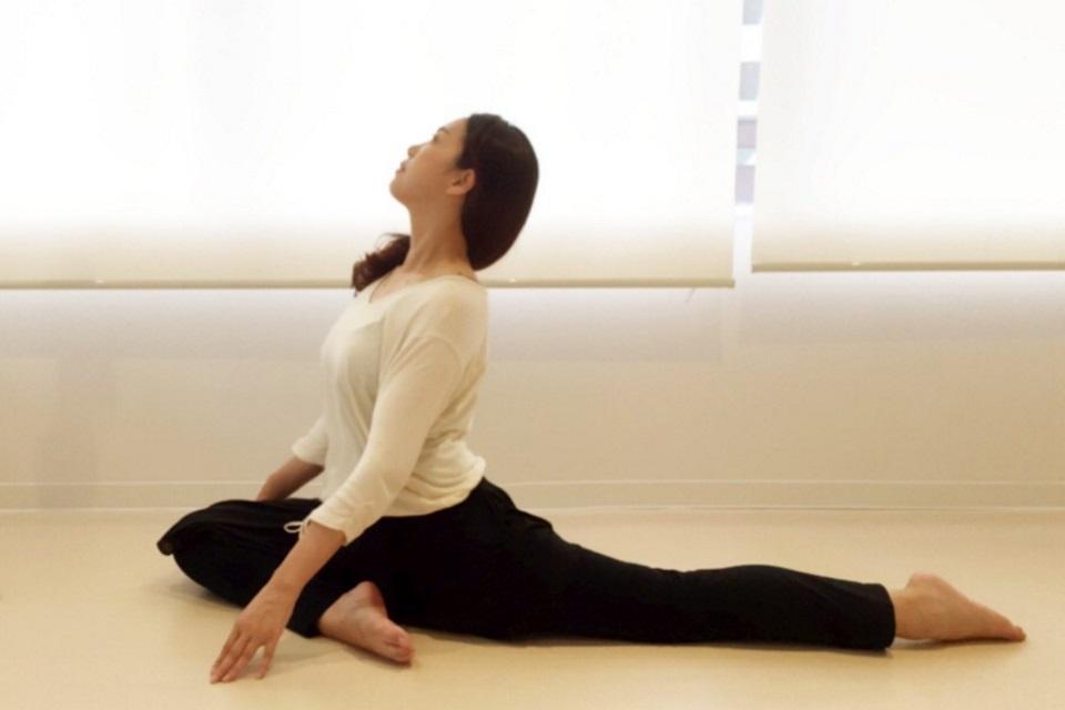 swan-pause-yoga-1.jpg